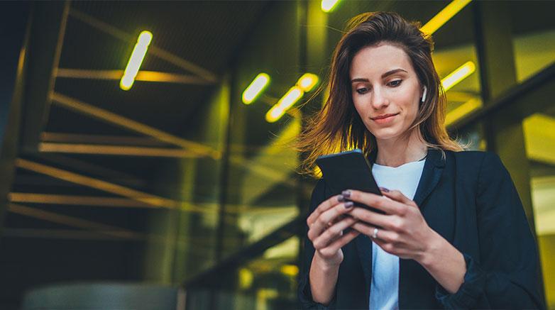 social media financial advisor